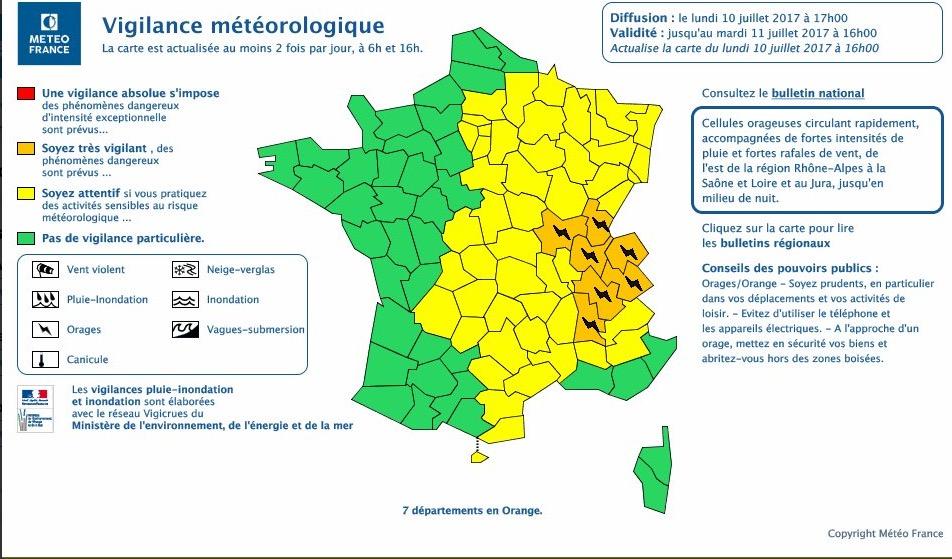 De violents orages provoquent inondations et perturbation du métro parisien — France