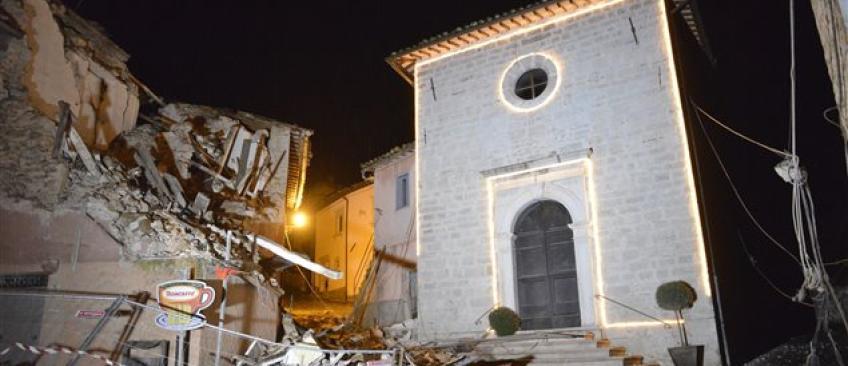 EN DIRECT - Italie: Des blessés mais pas de catastrophe après les secousses de magnitude 5,5 puis 6,1 hier soir