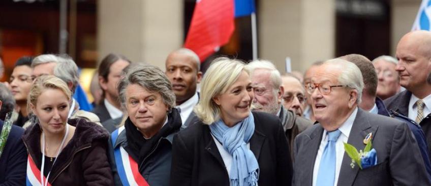 EN DIRECT - Jean-Marie Le Pen réfléchit à l'idée de créer un autre parti politique