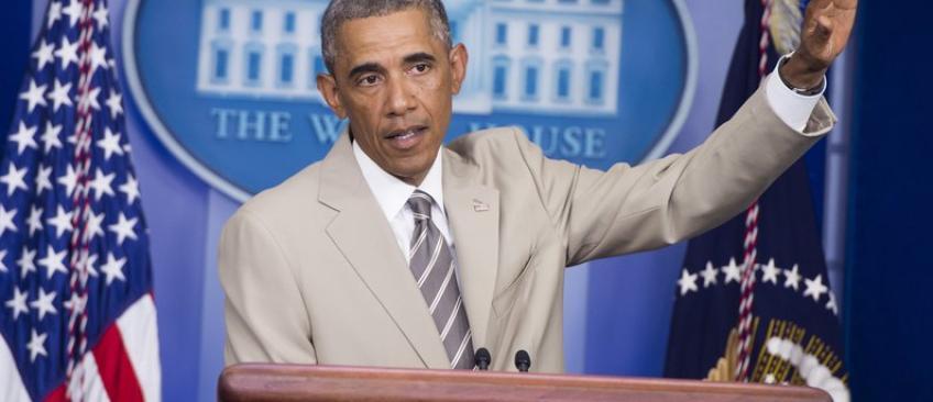 La couleur sable du costume de Barack Obama pendant sa conférence de presse, enflamme le net !
