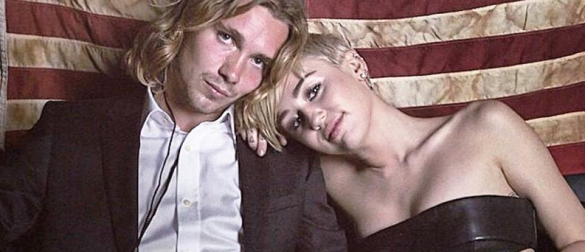 Le jeune homme de 22 ans qui accompagnait Miley Cyrus aux MTV Awards était un SDF recherché par la police