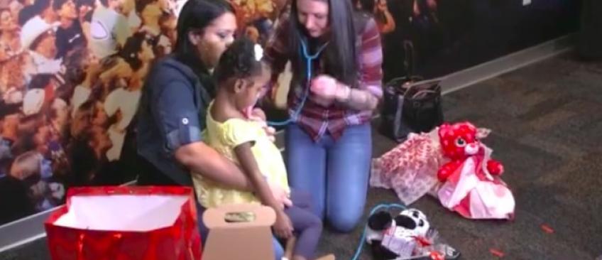 L'incroyable histoire d'une maman qui entend le coeur de son enfant mort, battre dans le corps d'une petite fille
