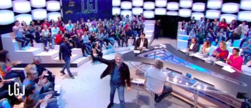 Stéphane Guillon quitte le plateau de Canal Plus à l'arrivée de Cyril Hanouna - Regardez