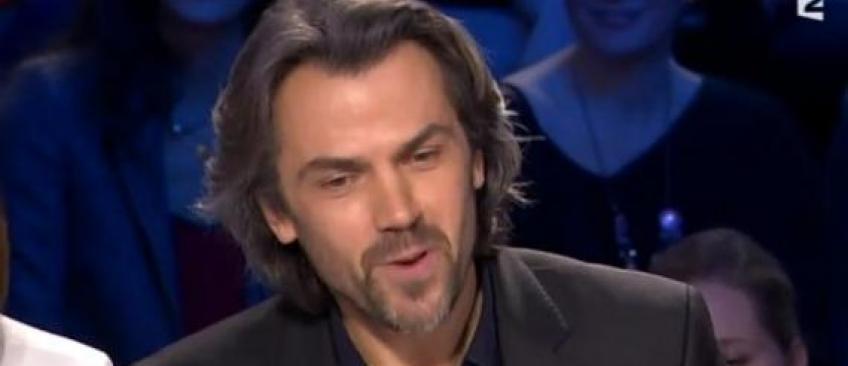 Menaces de mort contre Aymeric Caron après son face à face avec Bernard-Henri Lévy sur France 2 samedi - Regardez