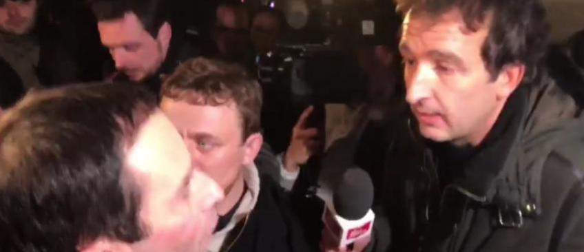 Engueulade hier au QG de Benoît Hamon entre Cyril Eldin du Petit Journal et une journaliste de Quotidien - Regardez