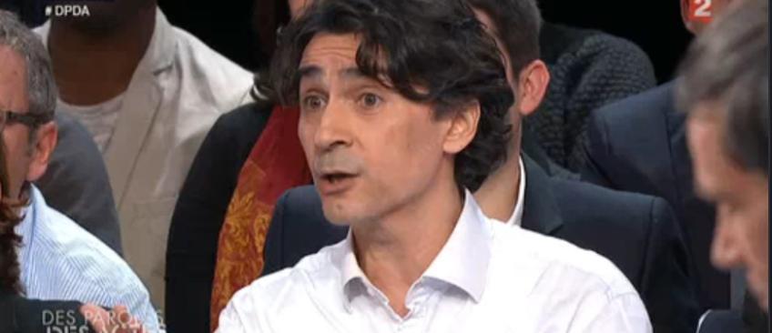 France 2 coupe en direct le micro d'un syndicaliste CGT qui s'en prend à Nicolas Sarkozy - Regardez