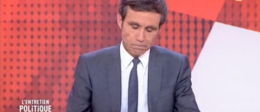 L'agacement de David Pujadas hier soir face aux problèmes techniques pendant son interview de Marine le Pen - Regardez