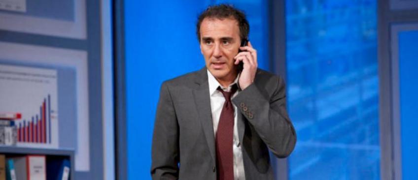 """Après avoir qualifié Christian des """"12 coups de midi"""" de """"débile de la classe"""", Elie Semoun présente ses excuses"""