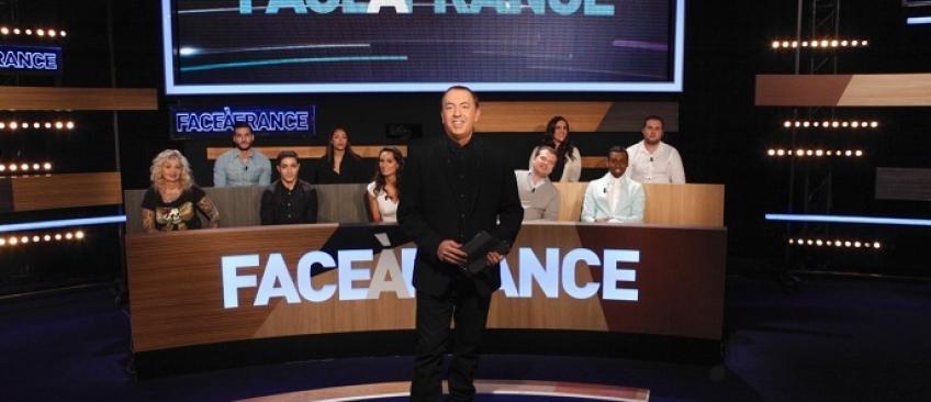 """NRJ12 annonce la déprogrammation définitive de """"Face à France"""" en raison de """"l'actualité dramatique"""""""