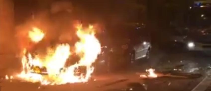Les images des violents incidents qui se sont déroulés cette nuit en plein Paris devant le commissariat du 19e