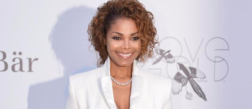 Les proches de Janet Jackson annoncent que la chanteuse est enceinte de son premier enfant à l'âge de 50 ans