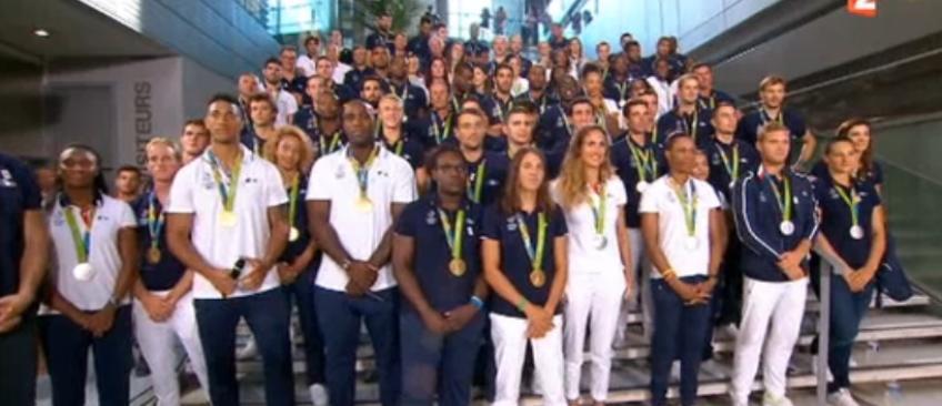 Le 20h spécial de France 2 avec les médaillés olympiques attire 3,7 millions de téléspectateurs - Regardez ce moment exceptionnel