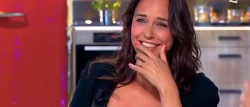 """L'animatrice Julia Vignali quitte TF1 pour rejoindre M6 et remplacer Faustine Bollaert à la tête du """"Meilleur pâtissier"""""""