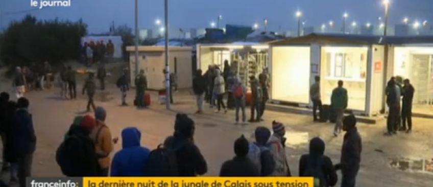 """EN DIRECT - Démantèlement de la """"Jungle"""": 2318 migrants ont été évacués à bord de 45 bus lors du premier jour"""