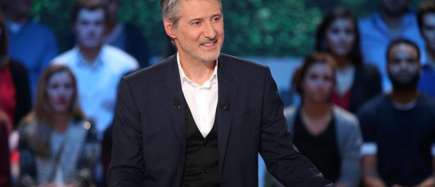 """EXCLU - Canal Plus répond à Antoine de Caunes: """"Non, rien n'est acté pour le Grand Journal l'année prochaine !"""""""