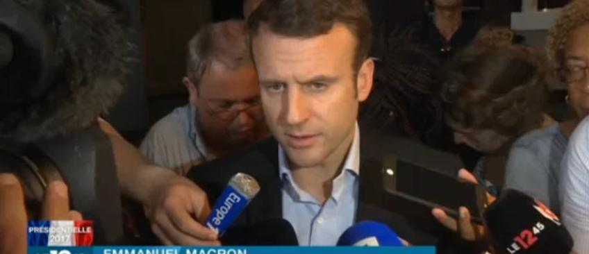 """L'erreur d'Emmanuel Macron qui transforme la Guyane en """"une île"""" très commentée sur les réseaux sociaux - Regardez"""