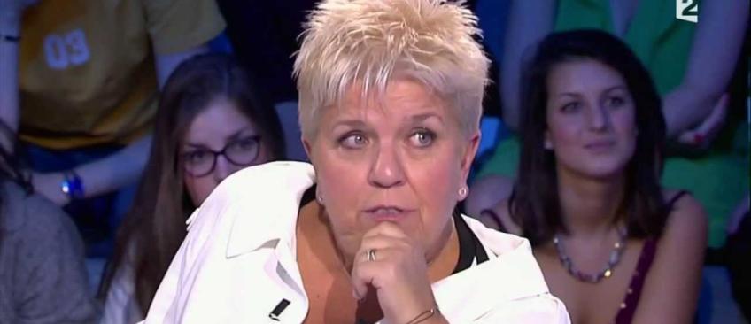 """Mimie Mathy répond aux insultes de Babette de Rozières: """"Elle est folle ou quoi? Elle doit avoir une promo à faire!"""""""