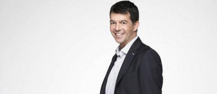 EXCLU - Stéphane Plaza prépare une nouvelle émission pour M6 avec Karine Le Marchand