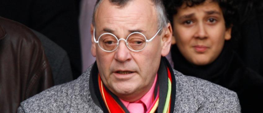 Accusé d'avoir comparé Hollande à Hitler hier soir, Jean Roucas annonce qu'il quitte Twitter