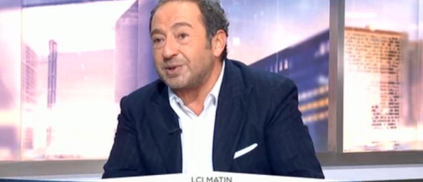 """Patrick Timsit tacle Alain Delon après ses récentes critiques envers Nicolas Sarkozy: """"Comment mal vieillir !"""" - Regardez"""