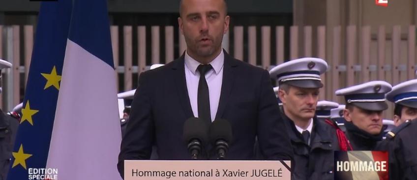 """Hommage - Etienne Cardilles, conjoint de Xavier Jugelé, très ému: """"Vous n'aurez pas ma haine, car cela ne te ressemble pas"""" (Vidéo)"""