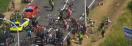 Tour de France: Enorme et spectaculaire chute du peloton - Plusieurs blessés chez les coureurs - Regardez les images
