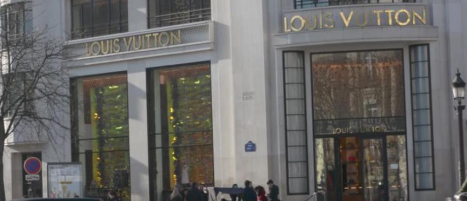 DERNIÈRE MINUTE - Un homme braque la boutique Louis Vuitton des Champs Élysées et tire un coup de feu