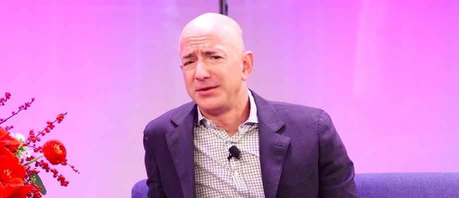 Le PDG d'Amazon fait don d'un million de dollars à une association de défense de la liberté de la presse