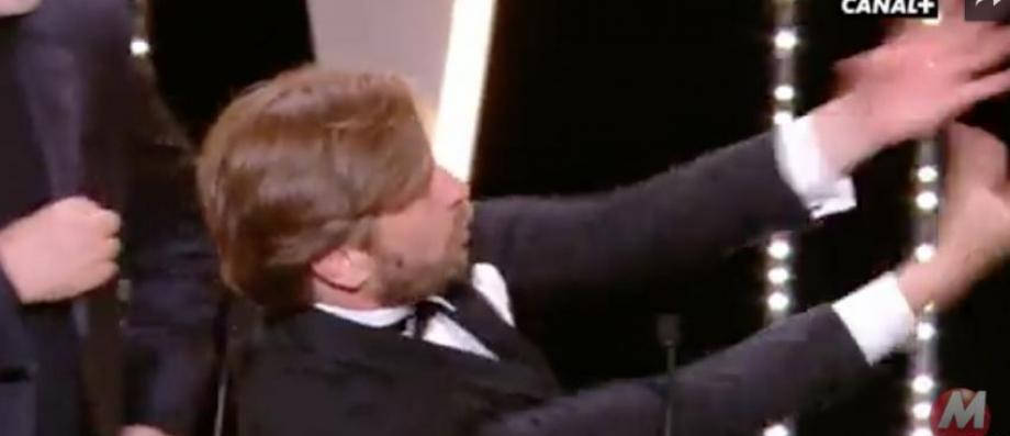 Regardez l'explosion de joie de Ruben Ostlund lorsqu'il a remporté la Palme d'Or hier soir à Cannes - VIDÉO