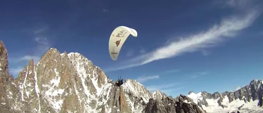 Isère: Un parapentiste de 70 ans, victime d'un incident de vol après son décollage, retrouvé mort au pied d'une falaise