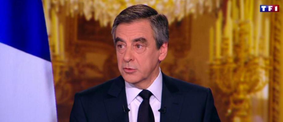 """Après 36 ans de carrière, François Fillon annonce qu'il tourne la page de la politique: """"Bien sûr que j'ai le c?ur serré devant toutes celles et ceux qui m'ont accompagné """""""