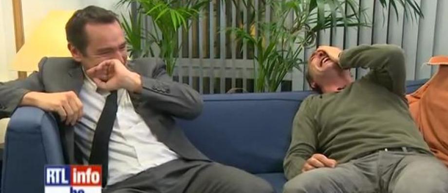 Jean dujardin et gilles lellouche pris d 39 un norme fou for Dujardin rire