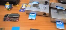 """Les policiers italiens ont interpellé un homme qui piratait les chaînes italiennes et les revendait à des milliers de clients via sa propre plateforme """"ZSat"""""""