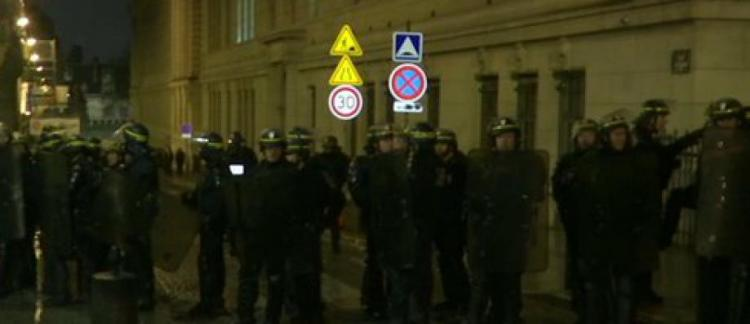 Les images de l 39 intervention de la police cette nuit pour for Interieur paris premiere