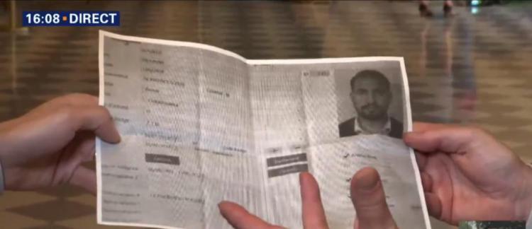 """Résultat de recherche d'images pour """"badge d'entrée à l'assemblée nationale + benalla"""""""
