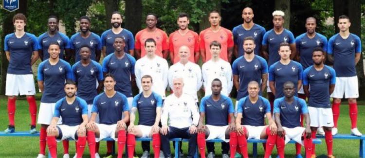 D couvrez la photo officielle de l 39 quipe de france avec - Equipe de france 1982 coupe du monde ...