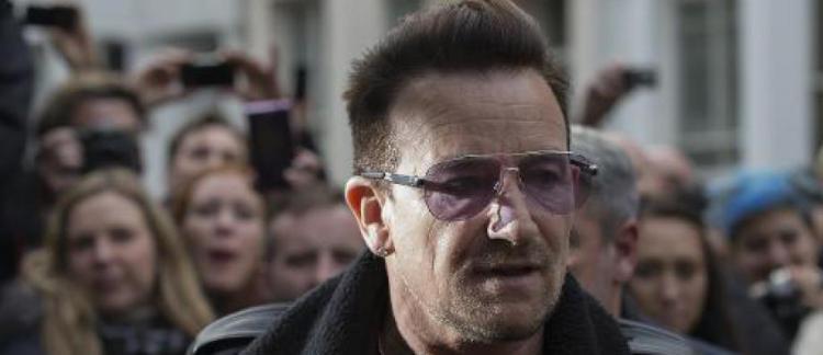 """Bono, leader du groupe U2, """"totalement écoeuré"""" face aux ..."""