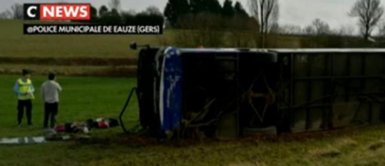 Accident Entre Une Voiture Et Un Bus Scolaire Dans Le Gers 27