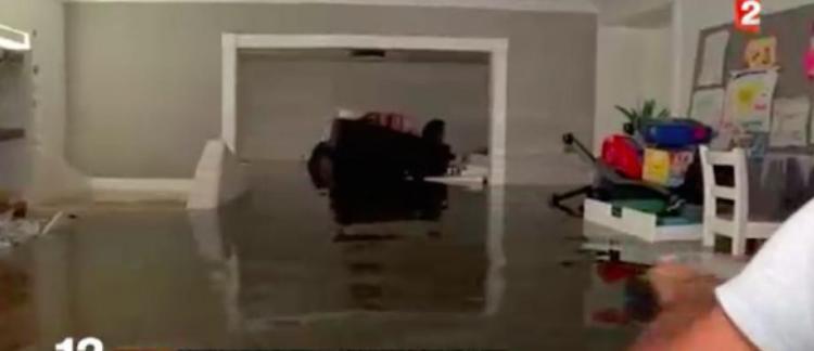 Un fran ais d couvre sa maison apr s l 39 ouragan harvey au - Peut on porter plainte contre un membre de sa famille ...