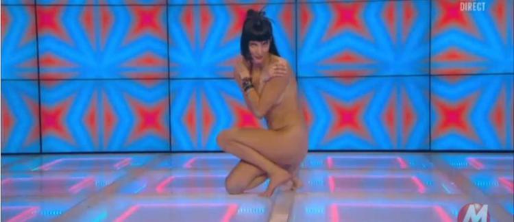 Danse fesses nues gage erotique pour homme