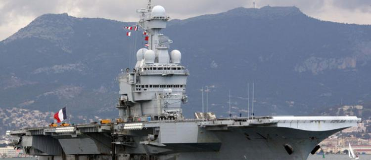 Le Porte Avions Charles De Gaulle Mis En Vente Sur Le