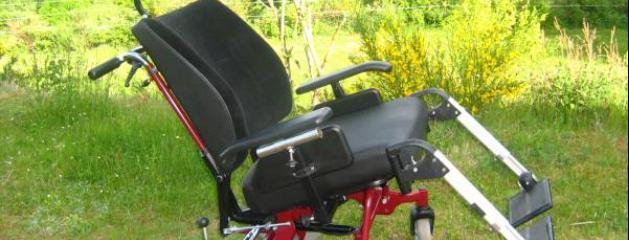 des fauteuils roulants lectriques ne peuvent porter la marque beatle d pos e par les beatles. Black Bedroom Furniture Sets. Home Design Ideas