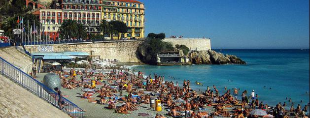 http://www.jeanmarcmorandini.com/sites/jeanmarcmorandini.com/files/styles/liste-centrale-grande/public/approach_castel_plage_nice_france.jpg