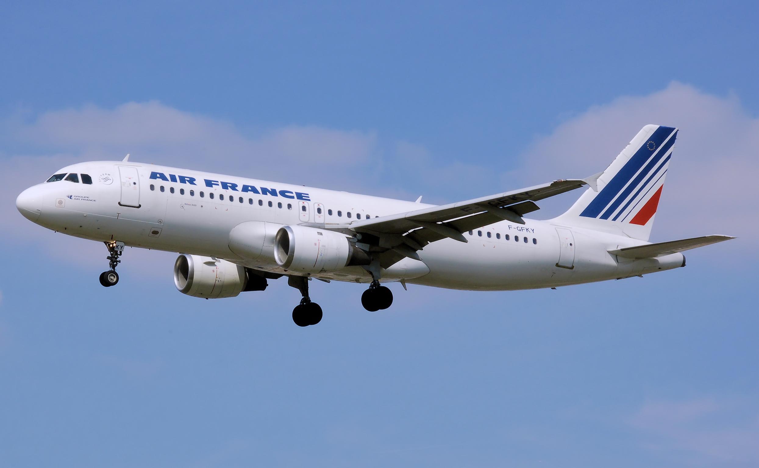 Un vol Air France entre Paris et Nice obligé d'atterrir en urgence ...